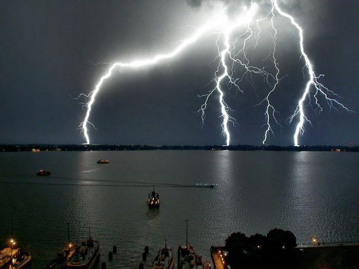 L'orage ~~ Les éclairs Bogfra0a